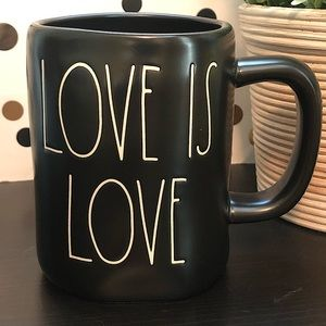 💥2/$30💥New Rae Dunn LOVE IS LOVE black mug